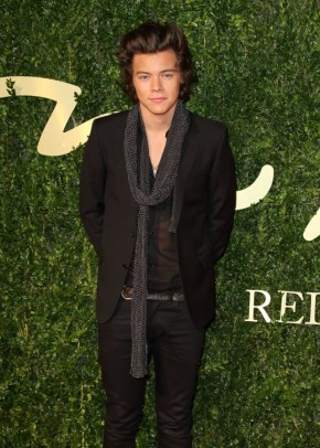 harry-styles-british-fashion-awards